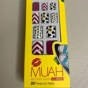Muah by Kiss Instant Mani 20 Press on Nails